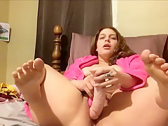 Watching The Chunky Gilrfriend Masturbating With A Dildo