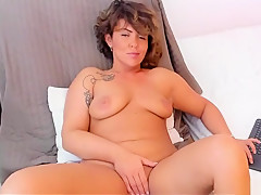 Cougar Cute Woman Masturbation