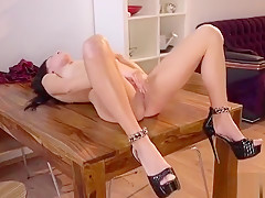 Exceptional Girl Is Pissing And Finger Fucking Trimmed Muff