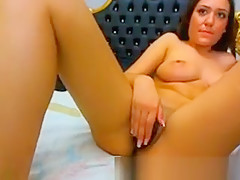 Hot Babe Loves To Play With Her Cunt