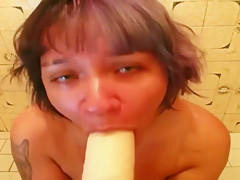 a high as fuck pandora do a POV blowjob