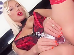 Sexy Czech Kitten Opens Up Her Wet Pussy To The Special19cig