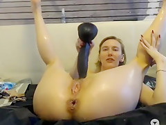 2mywifepornostar gives a wet show