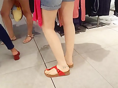 candid girls sexy feets hot red toes