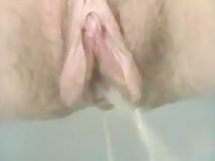 WET PUSSY DRIPPING CLOSE-UP