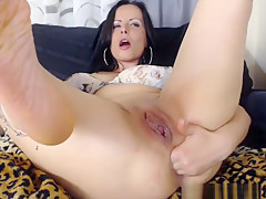 Perfect Milf Shows Off With Her Wet Twat