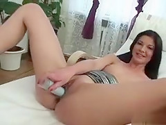 Horny Cougar Uses Vibrator On Her Wet Cunt