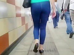 Behind the pretty girl's ass
