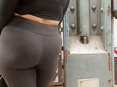 Bubble Booty Latina Milf in Spandex
