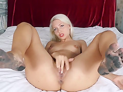 Dirty feet fetish Pussy fingering and Squirt
