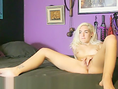Teen Makes Herself Squirt for the First Time