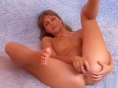 Pretty Kitten Is Gaping Pink Vagina In Close Range And Havin