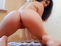 I play my pussy and dirty talk