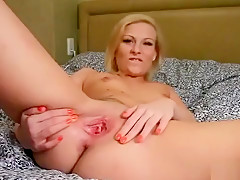 Lovely Teenie Is Gaping Yummy Quim In Close Range And Coming