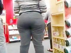Candid Big Booty Ebony In Check Out Line