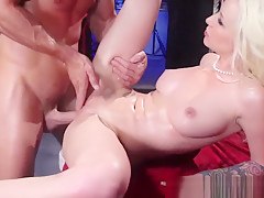 Stevie Shae fulsome massage fuck