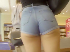 college girl shorts candid