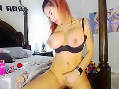 big tits girl skylelo shows boobs and pussy