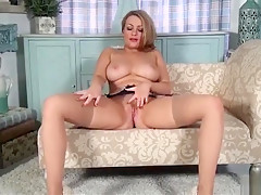 Penny Lee Shows it all