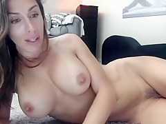Hot Gorgeous Babe Orgasming