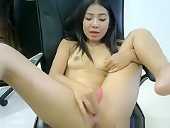 Horny Asian Babe Flashing On Live Webcam