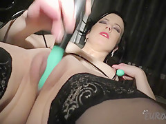 Cute Luize Working Out Nude Then Dp Double Penetration With Jump Rope Handles - EuroCoeds