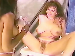 Keisha Dominguez piss in a bottle and gets graphic gyno exam