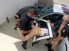 Cops Fuck Latina Gangster Outside