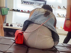 Red Bag Red Strings Upskirt