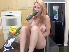 Sexy latina plays with her hot cunt in the kitchen