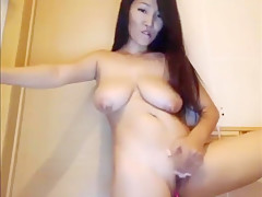 Asian Girl with OhMyBod and Buttplug show on cam