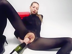 Areana Fox Masturbates with a Bottle