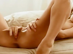 Beauteous youthful slut play with her lovehole