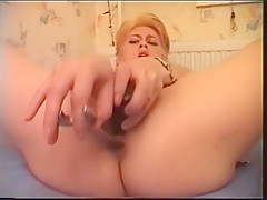 PRIVAT AMATUER SEX-HUNGARIAN WOMANS-PISSING,TOYS,ANAL