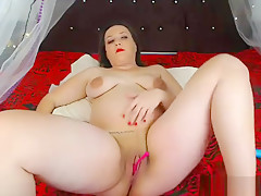 BBW masturbating and smoking live on cam