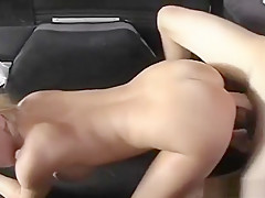 Scored Floozy Offers A Dude In The Car Her Filthy Mouth