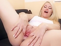 Sexy Czech Kitten Gapes Her Spread Twat To The Unusual62kav