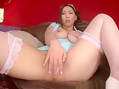 Pretty gal perfroming in fetish sex video