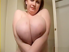 Huge Tits in Plus size Bras