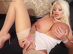 Big Fake Boobs Exposed As Candy Masturbates For Sisters...