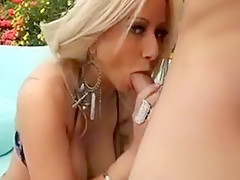 Mother I'd Like To Fuck Gives Nice Blowjob