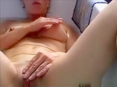Amateur Chick Fingering Her Pussy