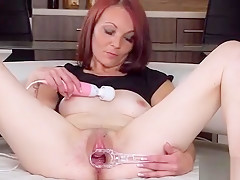 Sexy Czech Teen Gapes Her Spread Honey Pot To The Bizarre