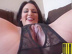 Horny Brunette Mom With Round Ass Playing With Her Used Cunt