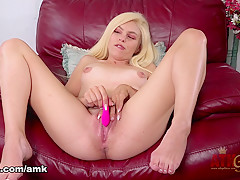 Zoe Clark in Toys Movie - AmKingdom