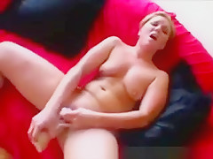 Stunning Fitness Babe Layla Divine Warms Up Her Shaved Pussy