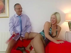 Older guy fucks glamorous milf in fishnets
