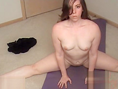 [Cock Ninja Studios]Spying On Big Sister Doing Yoga Finger Fuck