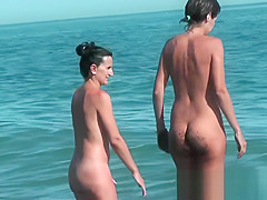 Hot young chick at the beach very hot voyeur hunter