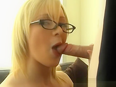 Sexy Blond Has A Real Appetite For Man Meat